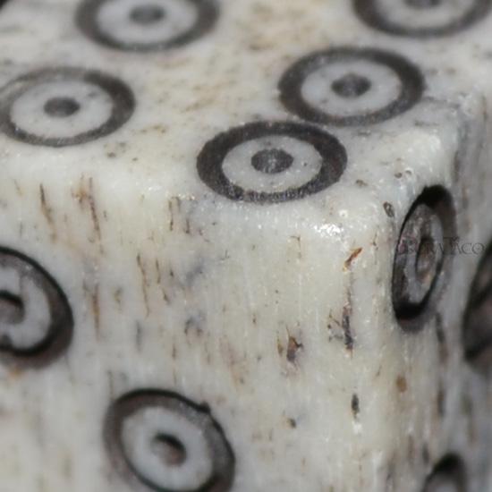 牛の骨のサイコロ 10mmダイス